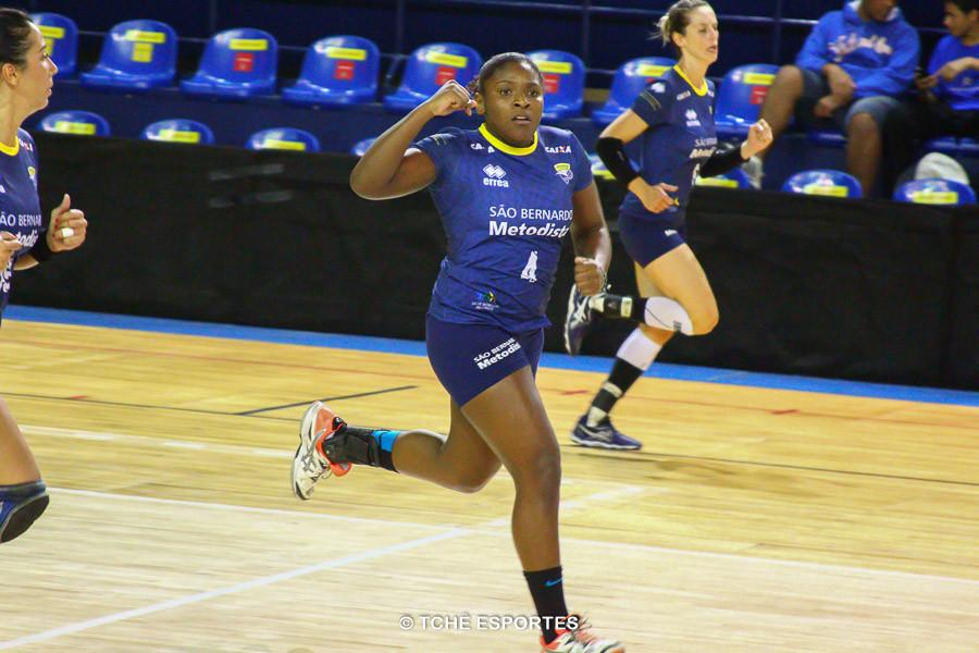 Mariane Oliveira, do São Bernardo, Melhor do jogo. (foto André Pereira / Tchê Esportes)