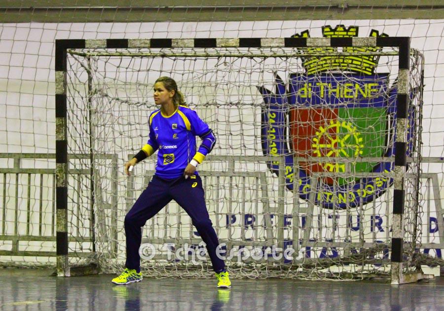 Mayssa, goleira. (foto André Pereira / Tchê Esportes)