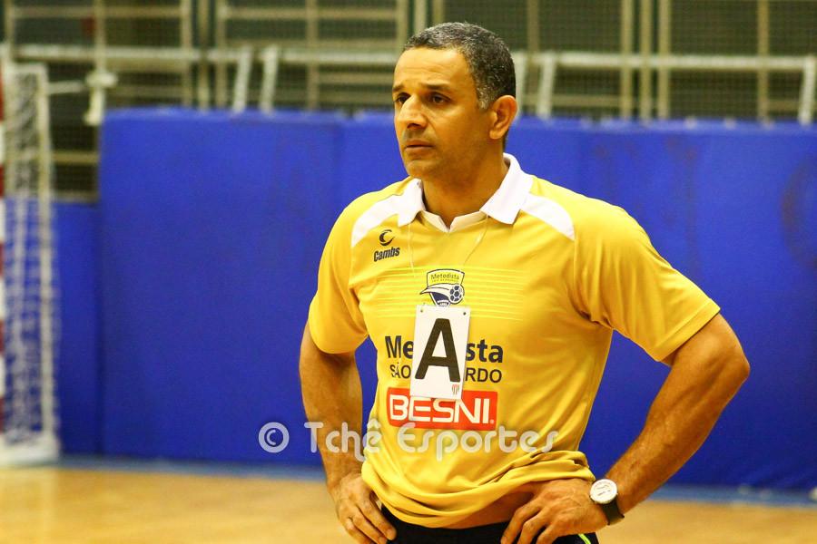 SB, técnico da Metodista. (foto André Pereira / Tchê Esportes)