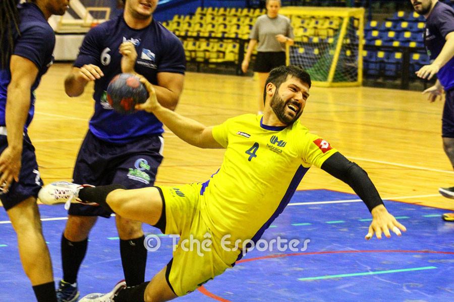 Guilherme Borin, Hebraica, um dos artilheiros com 5 gols no jogo. (foto André Pereira / Tchê Esportes)