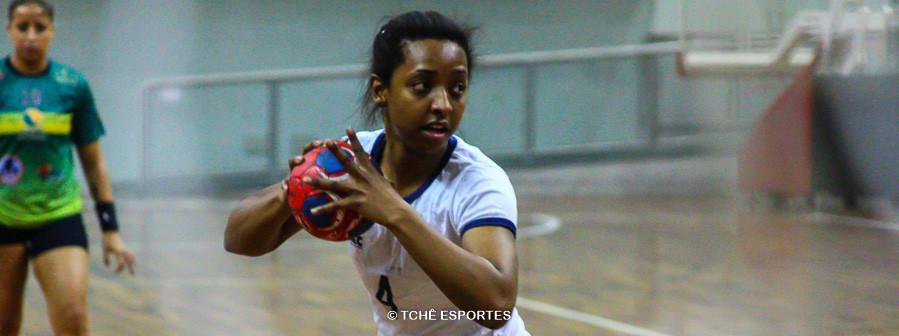 Danieli de Freitas, de Franca, artilheira do jogo. (foto André Pereira / Tchê Esportes)