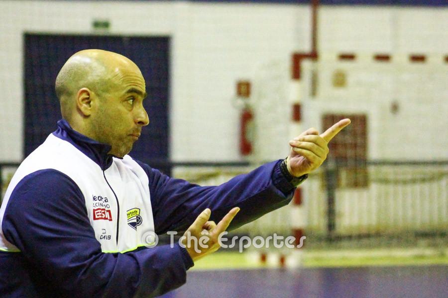 José Roberto, técnico interino Metodista. (foto André Pereira / Tchê Esportes)