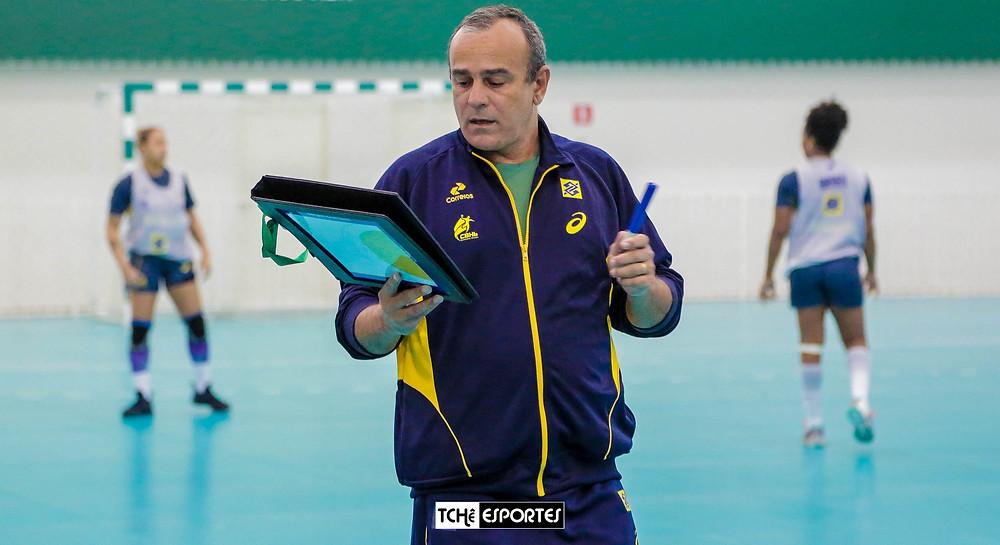 Graciano comandou, nesta sexta(16), o último treino antes do Pan. (foto André Pereira / Tchê Esportes)