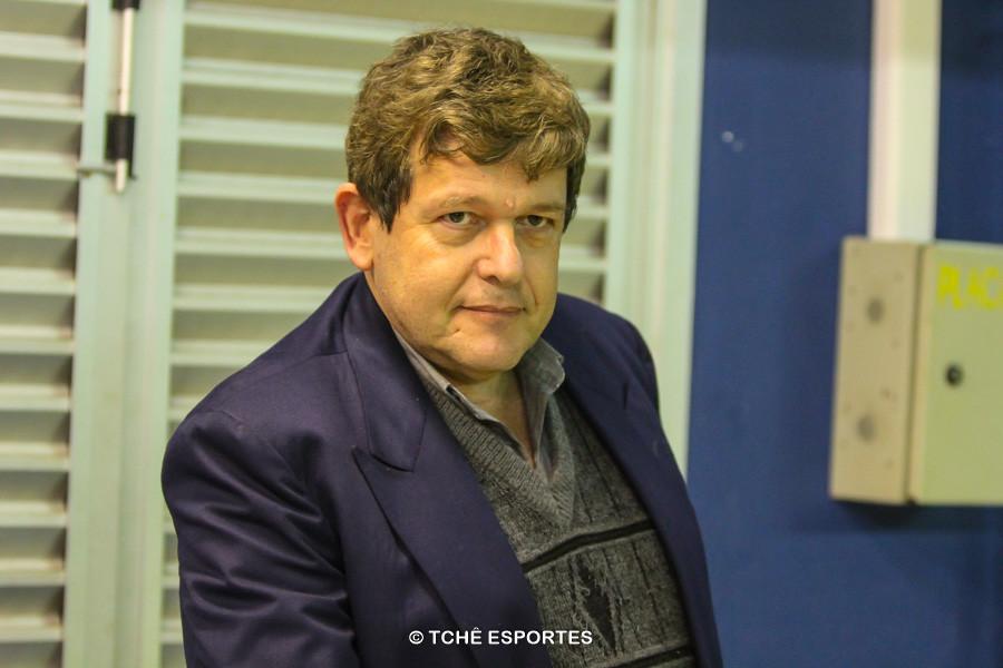 Antonio Inglez, Delegado da partida. (foto André Pereira / Tchê Esportes)