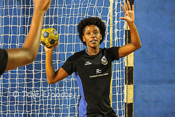 Ágatha, goleira do Pinheiros (foto arquivo Tchê Esportes)