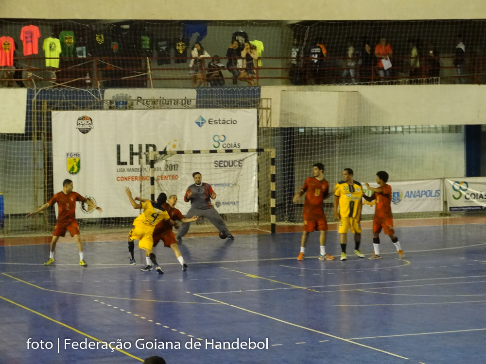 Semifinal Conferência Centro-Oeste Rio Verde (vermelho) vs Trindade (amarelo)