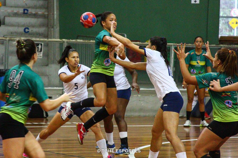 Na superação. (foto André Pereira / Tchê Esportes)