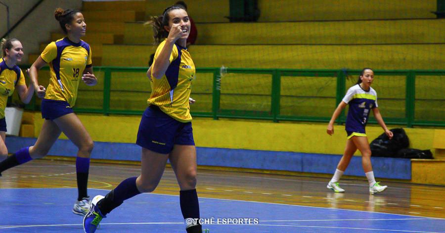 Thamiris, armadora do Santo André. (foto Andréa Rodrigues / Tchê Esportes)