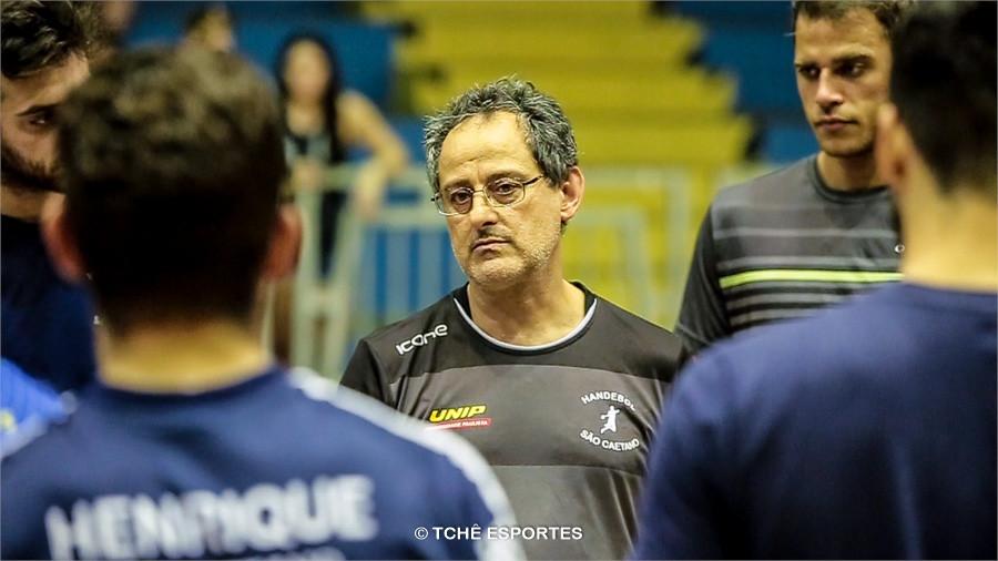 Washington Nunes, técnico do São Caetano. (foto reprodução Agno Raiz / Tchê Esportes)