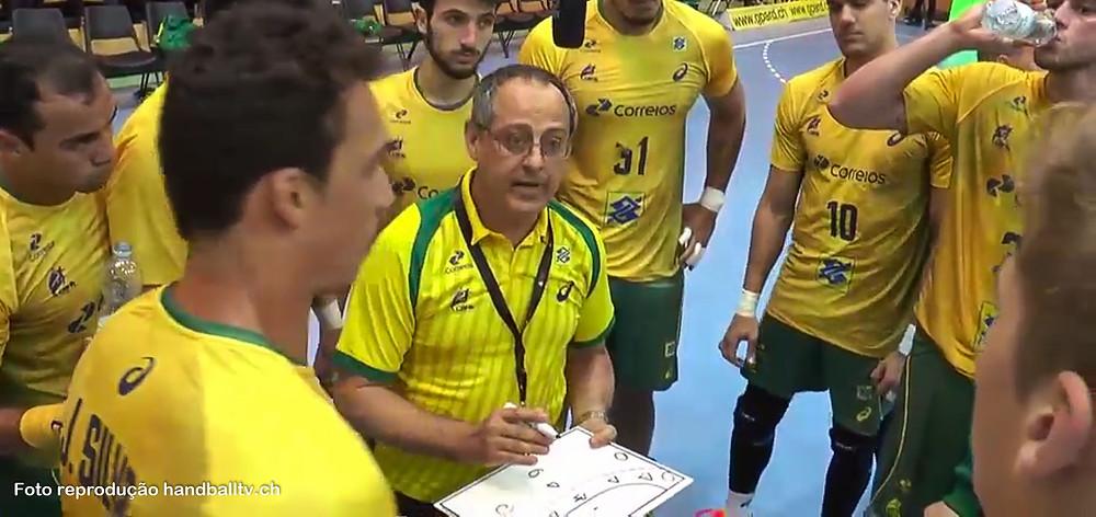 Washington Nunes, técnico da Seleção Brasileira de Handebol. (foto reprodução HandballTV.ch)