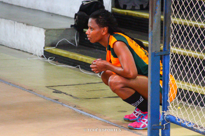 Thais Marcondes, Osasco, assistiu de fora da quadra após desqualificação. (foto André Pereira / Tchê Esportes)