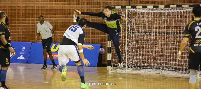 Roney, goleiro do São Caetano. (foto André Pereira / Tchê Esportes)