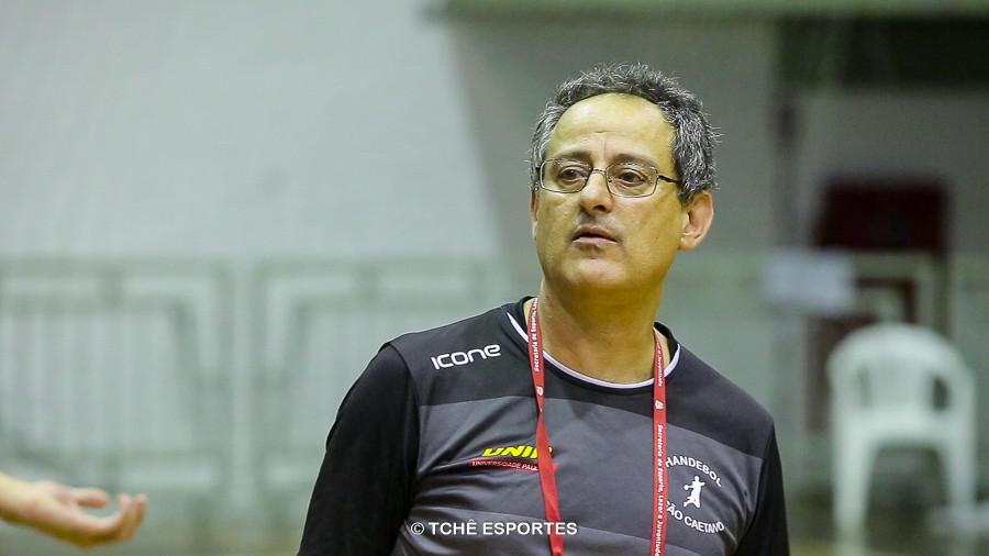 Washington Nunes, técnico do São Caetano. (foto arquivo Tchê Esportes)