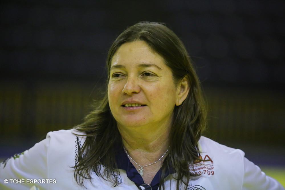 Jaqueline Alves, técnica da ACH. (foto André Pereira / Tchê Esportes)