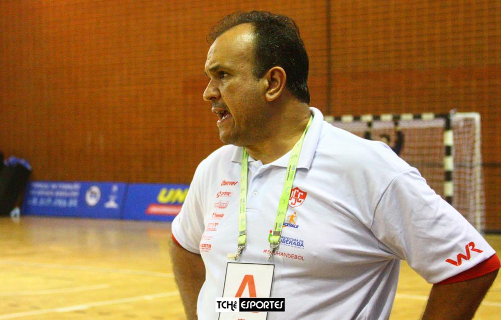 Karel Gomes, técnico do Funel/USC/Acevale (MG). (arquivo Tchê Esportes)