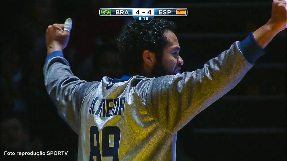 Bombom, goleiro do Brasil. (foto reprodução SporTV)