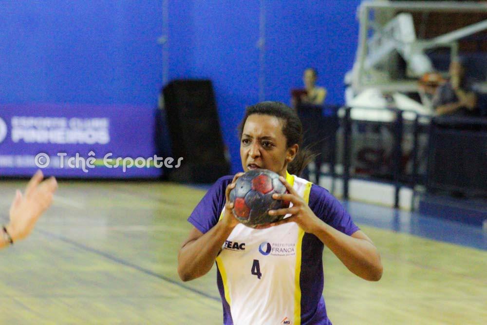Danieli Freitas artilheira de Franca com dez gols (foto arquivo Tchê Esportes)