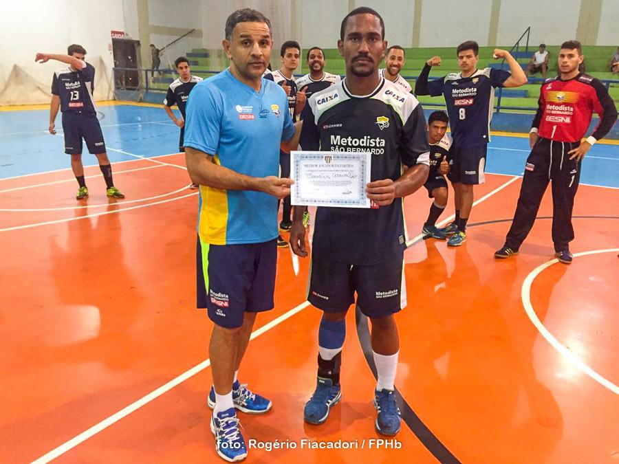 Vinicius Carvalho, do EC Pinheiros, Destaque do jogo. (foto Rogério Fiacadori /FPHb)