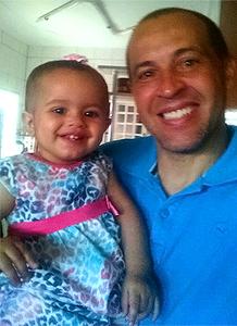 Denilson e a filha Laura. (foto arquivo pessoal)