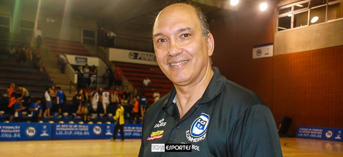 Hortelan, técnico do Pinheiros. (foto Andréa Rodrigues / Tchê Esportes)