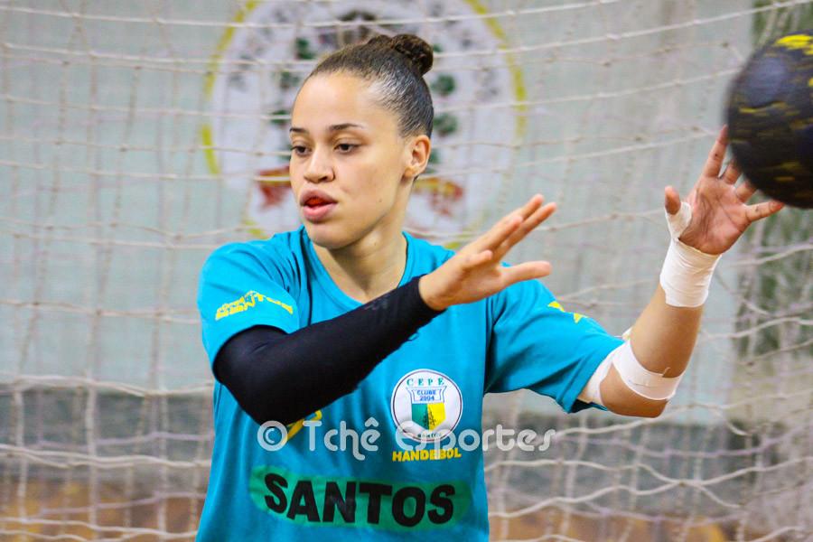 Raissa Borges, goleira do CEPE/Santos. (foto arquivo Tchê Esportes)