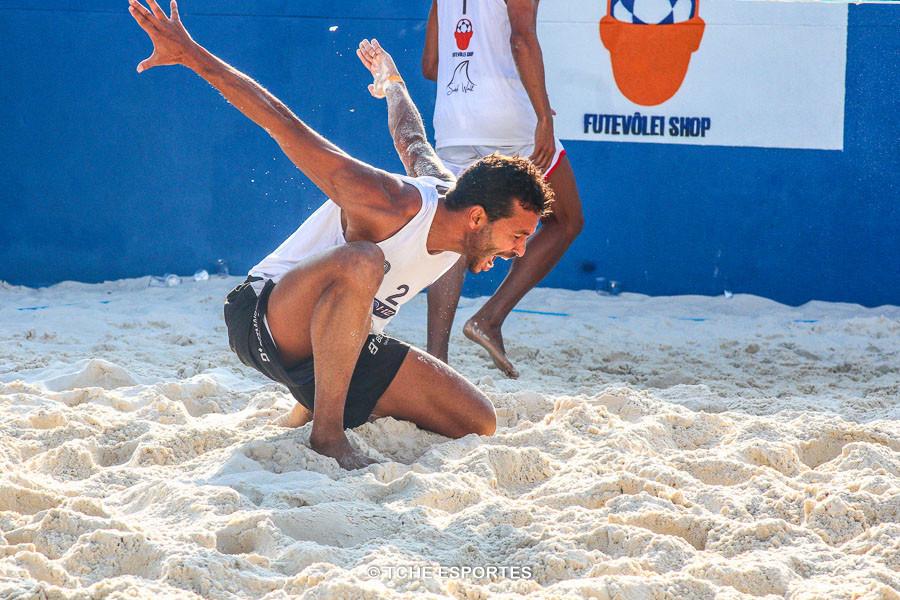 O pouso da Águia. (foto André Pereira / Tchê Esportes)