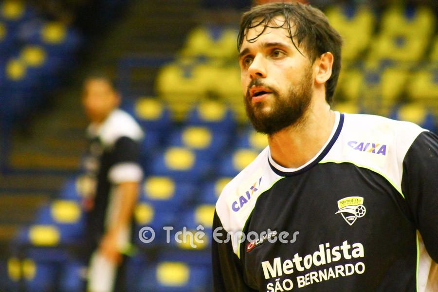 Diogo Hubner, da Metodista, destaque da partida. (foto André Pereira / Tchê Esportes)