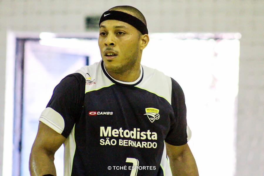 Carlito, do São Bernardo, voltou após 8 meses. (foto arquivo Tchê Esportes)