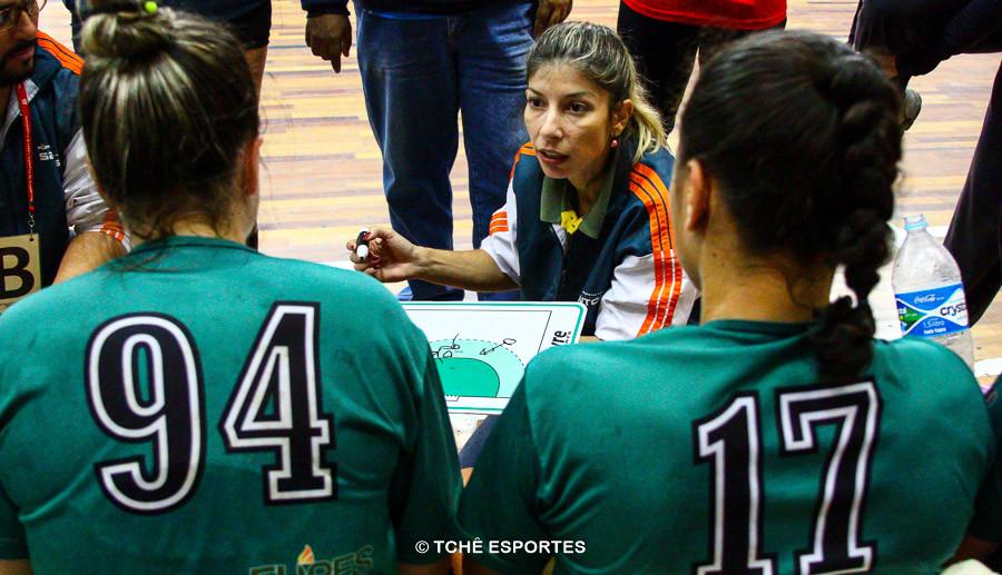 Monica Neves, técnica do CEPE Santos. (foto André Pereira / Tchê Esportes)