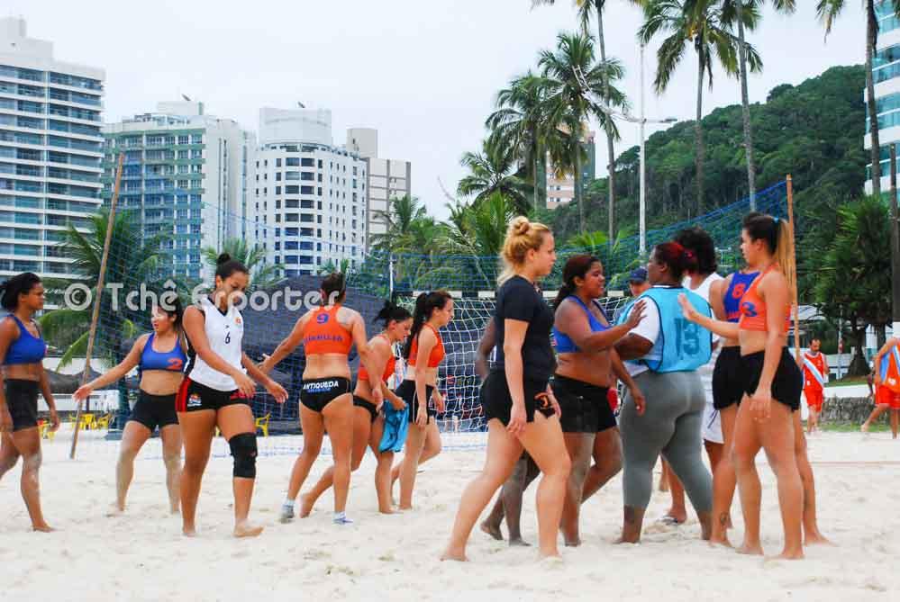 Guarujá, 1ª etapa,  com duas equipes femininas (foto arquivo Tchê Esportes)