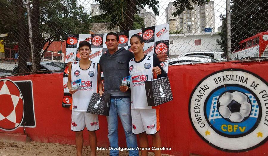 Rodrigo e Gabiru, campeões da 3ª etapa. (foto Divulgação Arena Carolina)