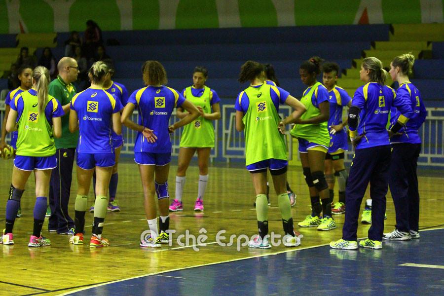 Seleção Brasileira de Handebol Feminino. (foto André Pereira / Tchê Esportes)