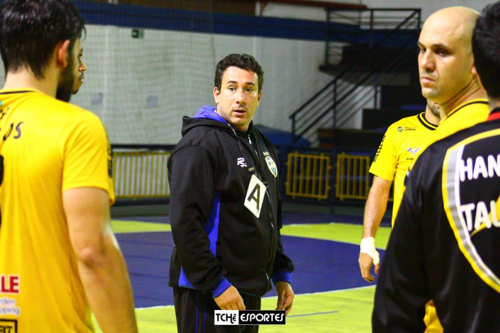 Marcus Tatá, técnico do Handebol Taubaté (SP) (arquivo Tchê Esportes)