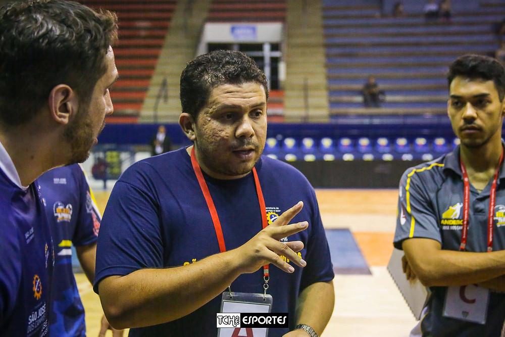 Francisco Silva, técnico do São José. (foto arquivo Tchê Esportes)