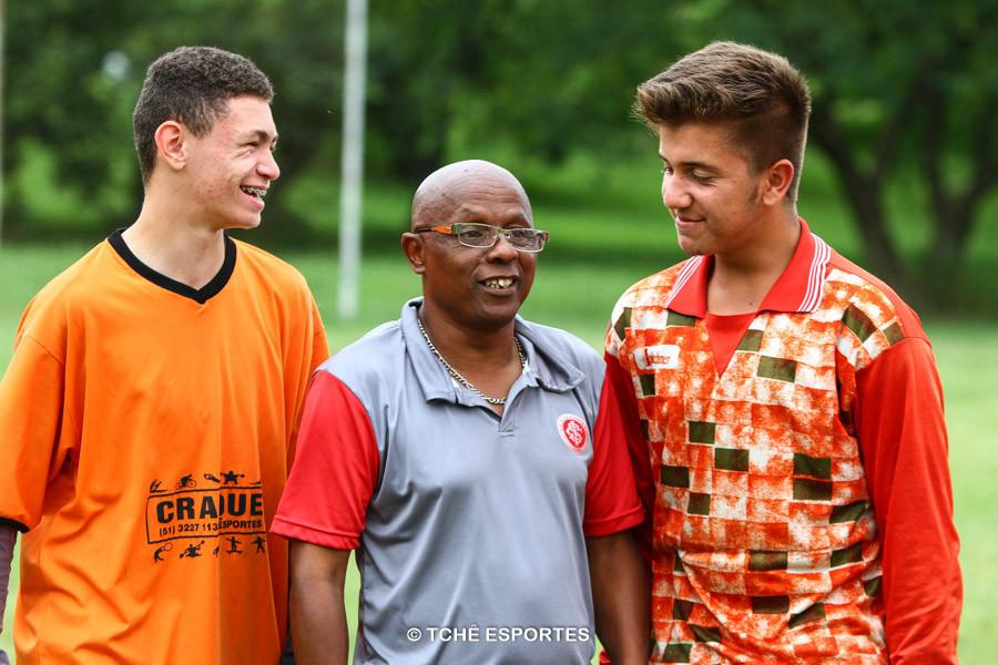 Silvio, ao centro, diretor do Inter Norte. (foto André Pereira / Tchê Esportes)