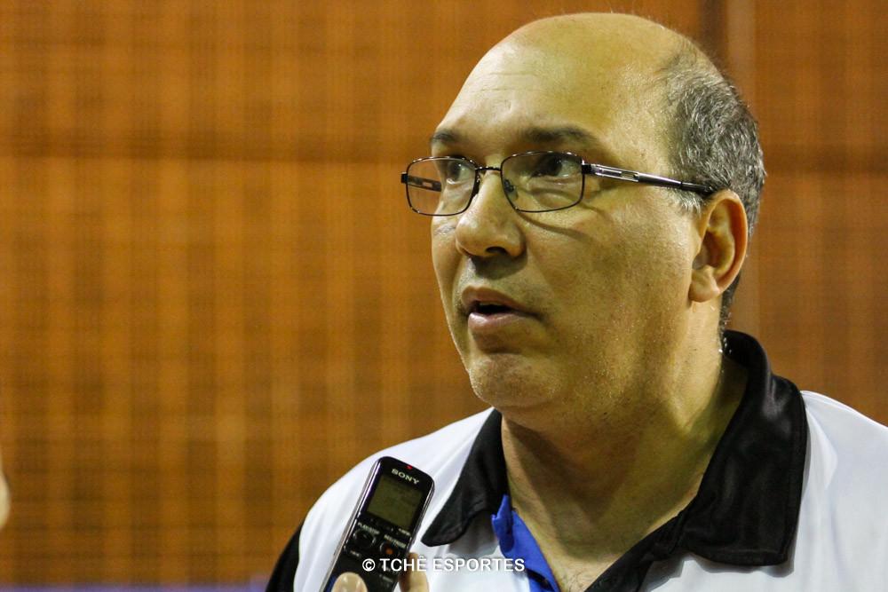 Sérgio Hortelan, técnico do EC Pinheiros. (foto André Pereira / Tchê Esportes)