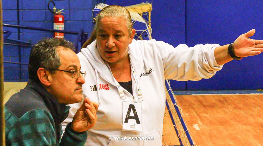Washington Nunes e Lausida durante o jogo. (foto André Pereira / Tchê Esportes)
