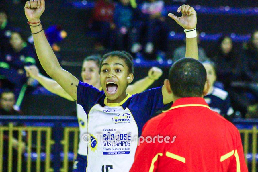 Bruna Paula, São José, destaque do jogo. (foto André Pereira / Tchê Esportes)