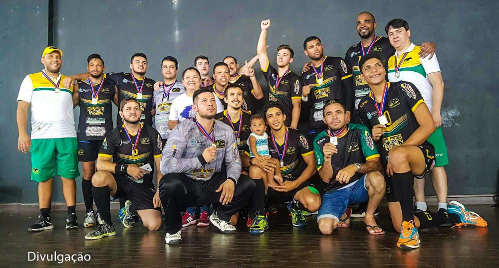 Carajás Handebol Clube (PA) comemora o título 2017. (foto divulgação)