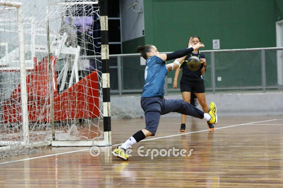 Raissa, goleira CEPESantos, destaque da partida. (foto André Pereira / Tchê Esportes)