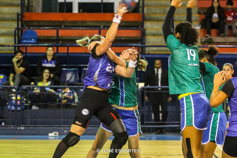 Pinheiros e Santo André fizeram um jogo bem equilibrado. (foto André Pereira / Tchê Esportes)