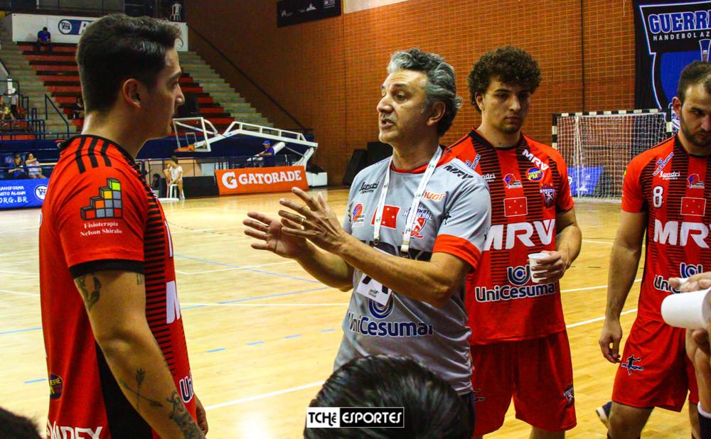Handebol Londrina (PR), do técnico Giancarlos Ramirez. (arquivo Tchê Esportes)