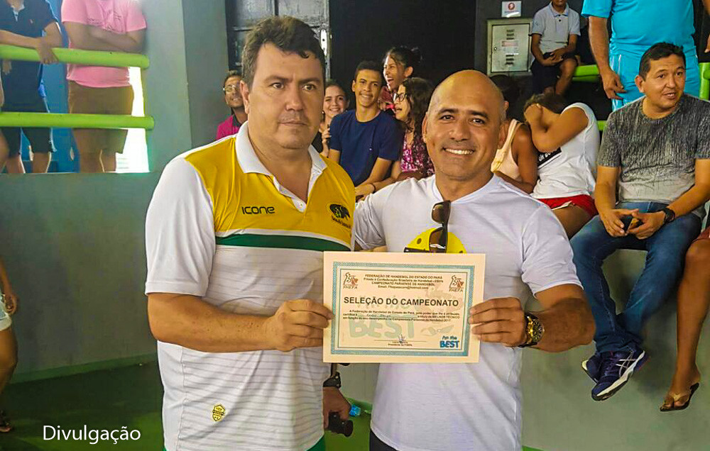 Karlos Sacco (à esquerda). foi eleito melhor técnico da competição. (foto Divulgação)