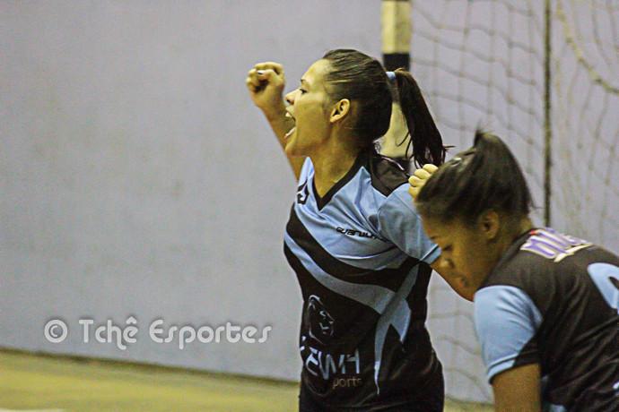 Greyce Santos estreia com vitória (foto André Pereira / Tchê Esportes)