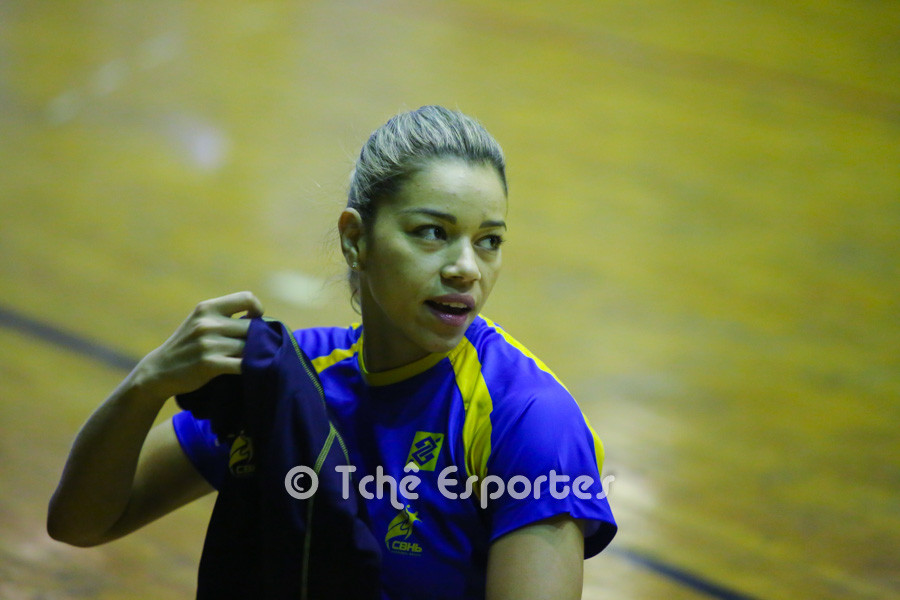 Jéssica Quintino, ponta direita. (foto André Pereira / Tchê Esportes)