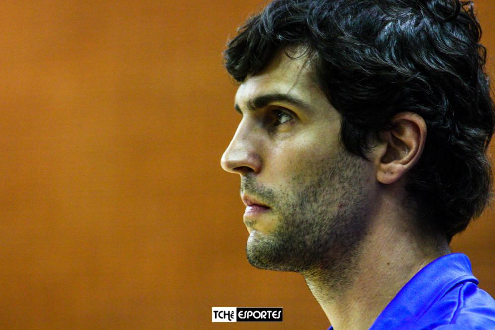 Alex Aprile, técnico do EC Pinheiros Handebol Feminino. (foto arquivo Tchê Esportes)