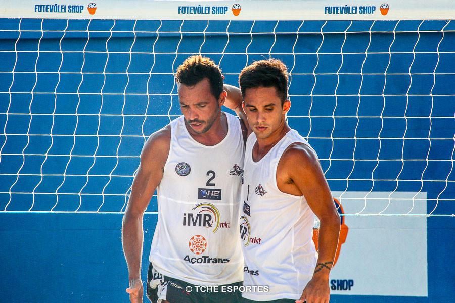 Anderson Águia e Vinicius, juntos na 2ª etapa. (foto André Pereira / Tchê Esportes)