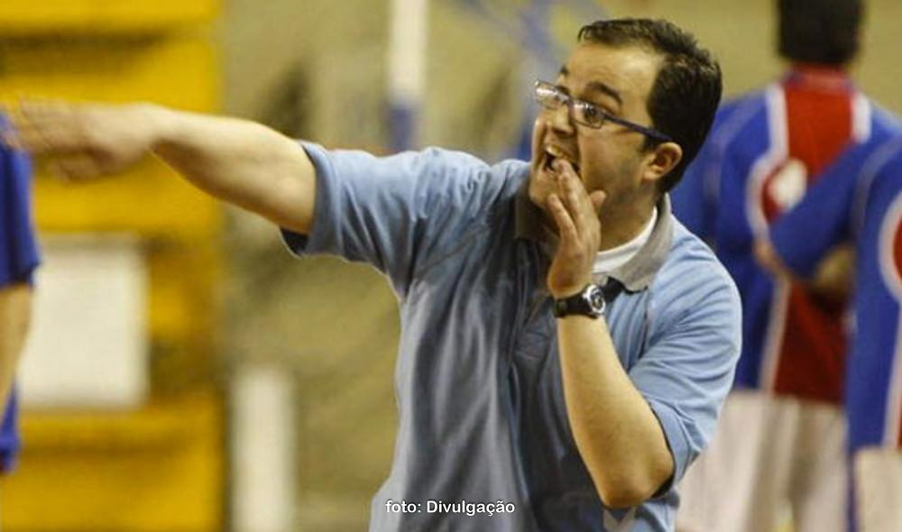 Daniel Gordo Rios, treinador do Balonmano Nava do Ademar para a temporada 2017-2018 . (foto Divulgação)