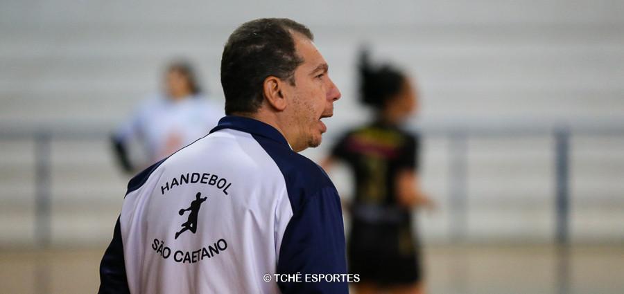 Flavio Pontes, técnico de São Caetano. (foto André Pereira / Tchê Esportes)