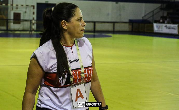 Meg, técnica do Guarulhos. (foto André Pereira / Tchê Esportes)